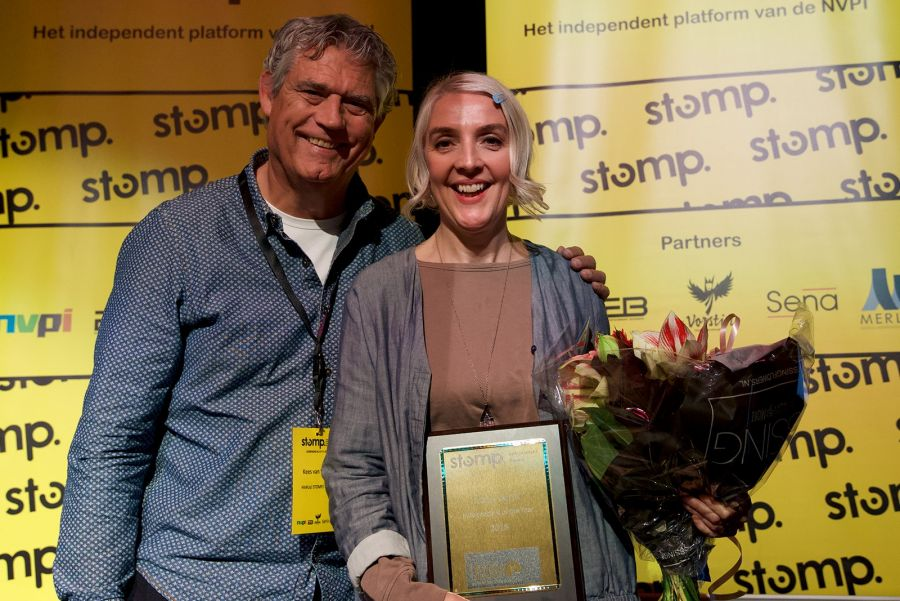 Helen Smith wint STOMP Independent of the Year Award